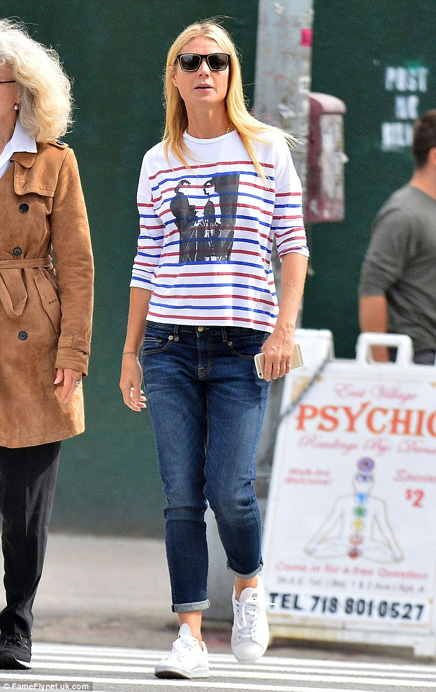 The 43-year-old actress and mum of two dresses down in a long-sleeved T-shirt in New York
