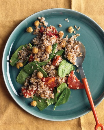Bulgur with Roasted Red Peppers, Chickpeas, and Spinach