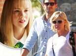 Picture Shows: David Abrams, Jennie Garth, Fiona Facinelli  October 07, 2015\n \n Actress, Jennie Garth and her husband Dave Abrams take her daughter Fiona Facinelli out for lunch in Los Angeles, California. Tori spelling said in a recent interview that during the filming of 'Beverly Hills 90210', Shannen Doherty got into a physical fight with Jennie.\n \n Non-Exclusive\n UK RIGHTS ONLY\n \n Pictures by : FameFlynet UK © 2015\n Tel : +44 (0)20 3551 5049\n Email : info@fameflynet.uk.com
