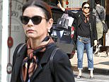 8.OCTOBER.2015 - NEW YORK - USA WELSH ACTRESS CATHERINE ZETA-JONES HAILING A CAB AFTER SHOPPING IN MANHATTAN. *AVAILABLE FOR UK SALE ONLY* BYLINE MUST READ : XPOSUREPHOTOS.COM ***UK CLIENTS - PICTURES CONTAINING CHILDREN PLEASE PIXELATE FACE PRIOR TO PUBLICATION *** **UK CLIENTS MUST CALL PRIOR TO TV OR ONLINE USAGE PLEASE TELEPHONE  44 208 344 2007 ***