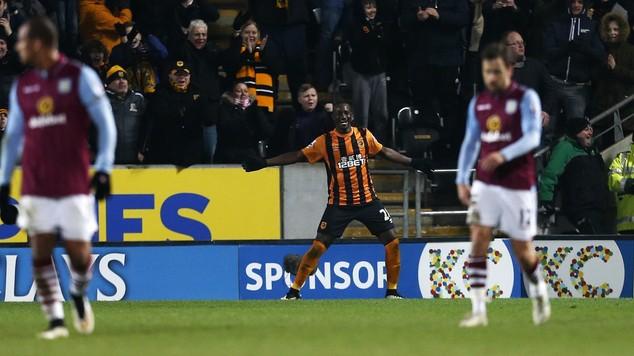 Dame N'Doye celebrates his goal