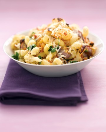 Pasta with Roasted Cauliflower, Parsley, and Breadcrumbs
