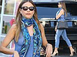 UK CLIENTS MUST CREDIT: AKM-GSI ONLY EXCLUSIVE: Beverly Hills, CA - Actress Sofia Vergara looks casual chic as she rans errands in Beverly Hills.  Pictured: Sofia Vergara Ref: SPL1149449  111015   EXCLUSIVE Picture by: AKM-GSI / Splash News