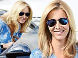 15 Oct 2015 - BEVERLY HILLS - USA\n*** EXCLUSIVE ALLROUND PICTURES ***\nFRIENDS ACTRESS LISA KUDROW SHOWS OFF HER NEW APPLE I WATCH AFTER A PAMPERING SESSION AT THE SALON IN BEVERLY HILLS!\nBYLINE MUST READ : XPOSUREPHOTOS.COM\n***UK CLIENTS - PICTURES CONTAINING CHILDREN PLEASE PIXELATE FACE PRIOR TO PUBLICATION ***\n**UK CLIENTS MUST CALL PRIOR TO TV OR ONLINE USAGE PLEASE TELEPHONE  44 208 344 2007**