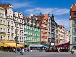 A general view of the market and buildings in Wroclaw, Poland, Europe.     B1JCX3 Old city, City View, Wroclaw, Poland, Europe