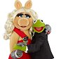 Film: The Muppets (2011), picture shows - Piggy and Kermit.