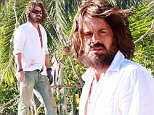 144343, EXCLUSIVE: Rob Lowe shows off his castaway looks as he films scenes for 'The Grinder' at a LA beach. Los Angeles, California - Thursday October 29, 2015. Photograph: Pedro Andrade, � PacificCoastNews. Los Angeles Office: +1 310.822.0419 sales@pacificcoastnews.com FEE MUST BE AGREED PRIOR TO USAGE
