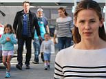 14 Nov 2015 - LOS ANGELES - USA  JENNIFER GARNER REUNITE WITH BEN AFFLECK AND KIDS AT CAKE MIX IN LOS ANGELES SATURDAY MORNING.   BYLINE MUST READ : XPOSUREPHOTOS.COM  ***UK CLIENTS - PICTURES CONTAINING CHILDREN PLEASE PIXELATE FACE PRIOR TO PUBLICATION ***  **UK CLIENTS MUST CALL PRIOR TO TV OR ONLINE USAGE PLEASE TELEPHONE  44 208 344 2007 ***
