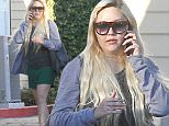 144948, EXCLUSIVE: Amanda Bynes seen leaving a nail salon in Los Angeles. Amanda can be seen smoking while waiting for her car at the valet. Los Angeles, California - Friday November 13, 2015. Photograph: Sam Sharma, © PacificCoastNews. Los Angeles Office: +1 310.822.0419 sales@pacificcoastnews.com FEE MUST BE AGREED PRIOR TO USAGE