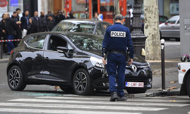 Paris attacker Salah Abdeslam's brother urges him to hand himself in