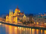 A general view of the parliament building on the Danube River in Budapest, Hungary.   D1D9E2 Budapest - View at Parliament Building, Danube River,