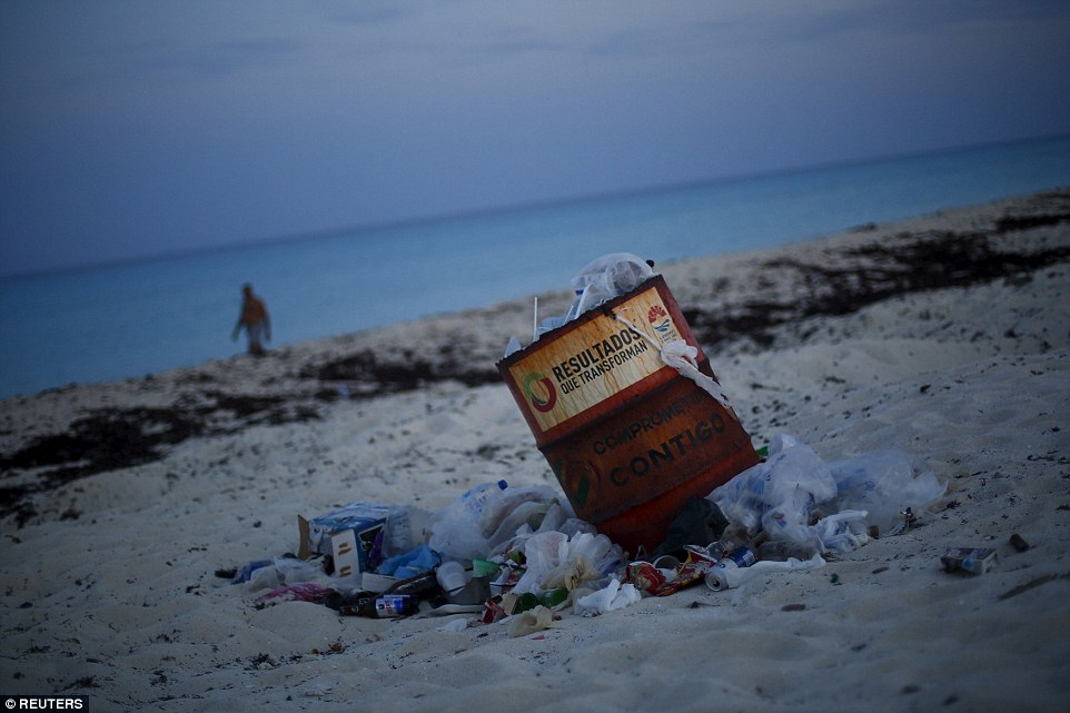 In the high season from about December to early April, tourists from the United States, Europe and further afield crowd the resort to swim and snorkel off usually pristine white beaches, party in the resort's many nightclubs and play golf - with rubbish lying in their wake