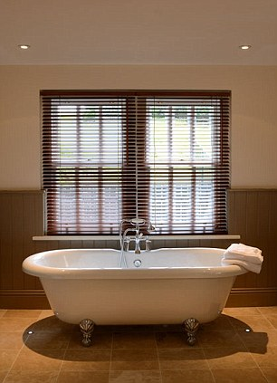 Roll-top bath in the bathroom at The Plough