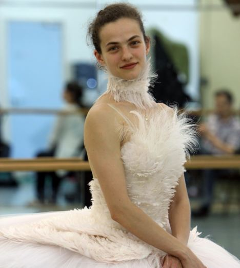 Balerina Elena Glurdjidze brought a touch of contemplative dignity to the conference.