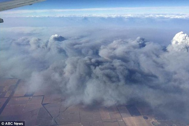 The Department of Parks and Wildlife issued a smoke alert on Saturday for the southern suburbs of Perth, extending to Mandurah, asking that residents close their windows and doors to the thick smoke