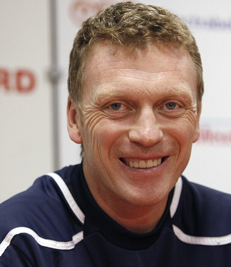 Everton's coach David Moyes smiles