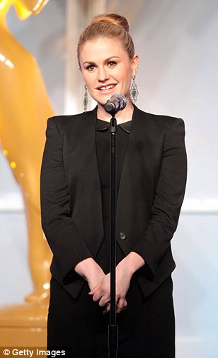True Blood in black: Anna Paquin presented at the awards ceremony