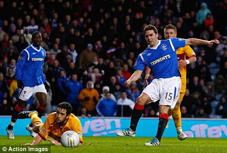 Important figure: David Healy (2nd right) scores Rangers' first goal