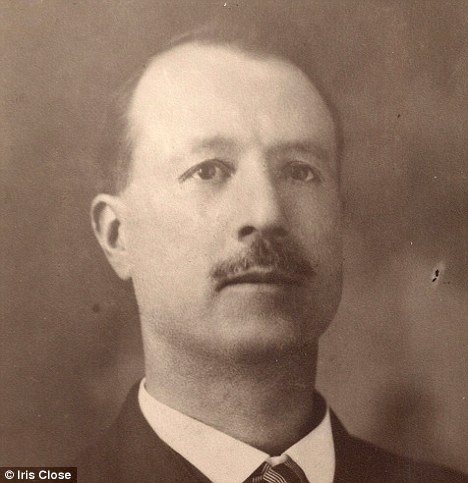 Solved: The urn was engraved with 'William George Kennedy 1870 - 1925'. Genealogists discovered Kennedy was an Englishman who moved to the United States in 1922
