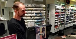 Apotek. Klaus Rasmussen har arbejdet på Steno Apotek i 25 år. - Foto: Johan Moe Fejerskov
