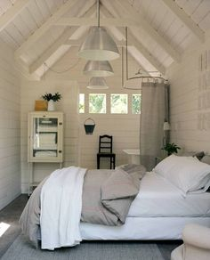 Small bedroom. Note that's a bathroom behind that wall, tub on the right. Love this!! #ContainerHomeStyle