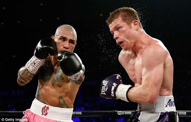 Cotto (left) had given up the WBC crown he won  last year due to a row over sanctioning fees