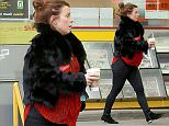 PREGNANT WAG COLEEN ROONEY STOPS OFF FOR COFFEE IN WILMSLOW\n*******EXCLUSIVE PICTURES*********