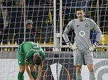 Football Soccer - Fenerbahce SK v Celtic - UEFA Europa League Group Stage - Group A - Sukru Saracoglu Stadium, Istanbul, Turkey - 10/12/15  Celtic's Craig Gordon and teammates look dejected after  Fenerbahce's first goal   Action Images via Reuters / Peter Cziborra  Livepic  EDITORIAL USE ONLY.