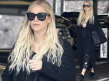 145924, Exclusive: Ashlee Simpson seen out shopping at a mall in LA. Los Angeles, California - Thursday December 10, 2015. Photograph: Sam Sharma, © PacificCoastNews. Los Angeles Office: +1 310.822.0419 sales@pacificcoastnews.com FEE MUST BE AGREED PRIOR TO USAGE