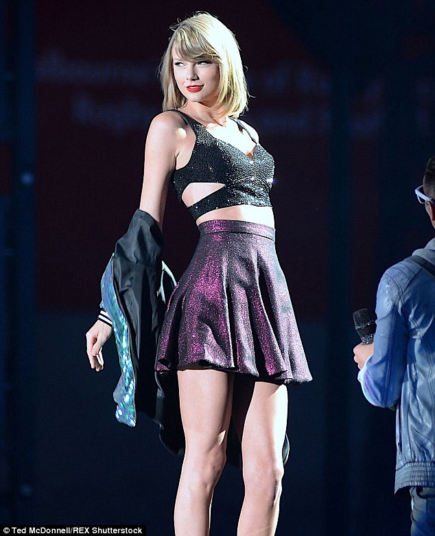 Queen Tay:On Saturday night, the pop princess performed in front of 32,000 screaming Swifties at Melbourne's AAMI Park