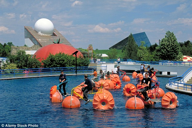 The park is based upon multimedia, cinematographic futuroscope and audio-visual techniques. It has several 3D cinemas and a few 4D cinemas along with other attractions such as these water bikes