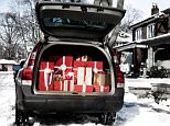 B6HJRM Christmas gifts in a trunk of a car. Image shot 2008. Exact date unknown.