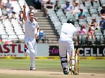England's bowler Stuart Broad (L) celebrates after dismissing South African batsman and Captain Hashim Amla (R)  during day 4 of the second Test match between England and South Africa at Newlands stadium on January 5, 2016 in Cape Town, South Africa. / AFP / GIANLUIGI GUERCIAGIANLUIGI GUERCIA/AFP/Getty Images