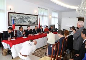中国西藏文化交流团在斯洛伐克举办讲座