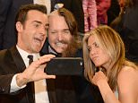 SANTA MONICA, CA - JANUARY 17:  (L-R) Actors Justin Theroux, Will Forte and Jennifer Aniston take a selfie during the 21st Annual Critics' Choice Awards at Barker Hangar on January 17, 2016 in Santa Monica, California.  (Photo by Kevin Mazur/WireImage)