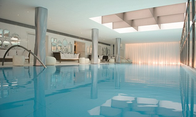 The spa's swimming pool
