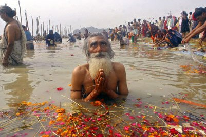 praying in the ganges:
