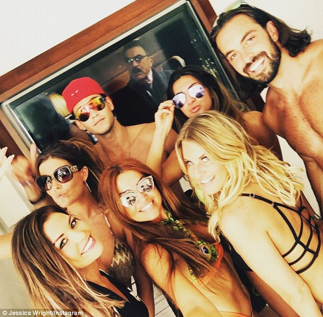 Group shot! The reality TV stars have thoroughly been enjoying their sun-soaked getaway in Sin City since arriving last week