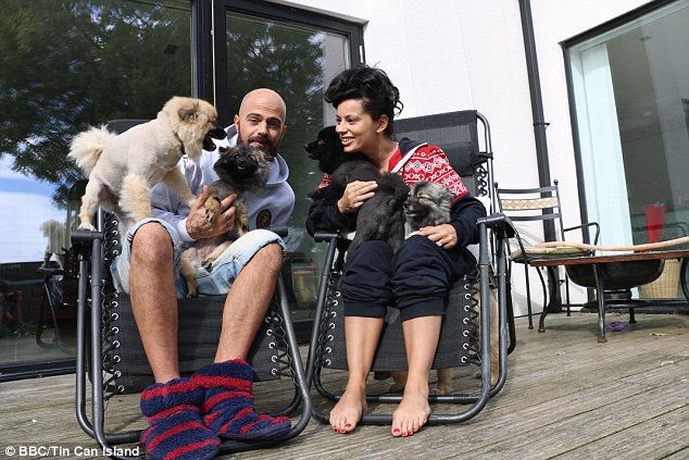 Everything was getting worse and worse still for ex-pop star Abz Love and his girlfriend Vicky, in their half-baked efforts to escape the rat race on Country Strife: Abz On The Farm