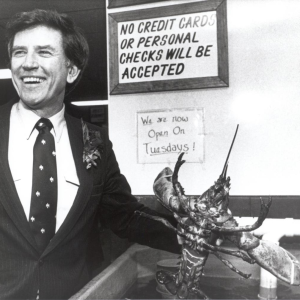 Colorado Senator Gary Hart campaigns in the 1984 primary. (Photo courtesy of the New Hampshire Institute of Politics & Political Library at Saint Anselm College)