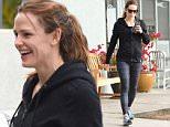 Single Jennifer Garner is all smile in Brentwood jan 30, 20916 /X17online.com