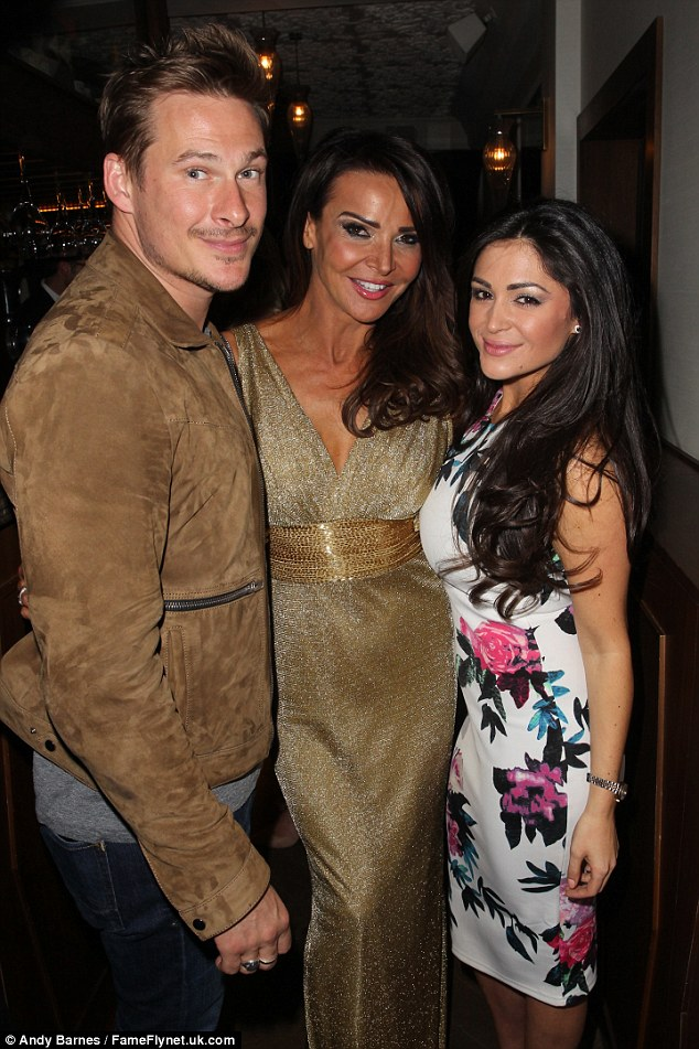 Catching up with the woman of the evening: The pair chatted with Lizzie Cundy as they partied up a storm