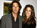 UNITED KINGDOM - CIRCA 1991:  Cindy Crawford And Richard Gere Ant Mr Jones Premiere  (Photo by Dave Benett/Getty Images)