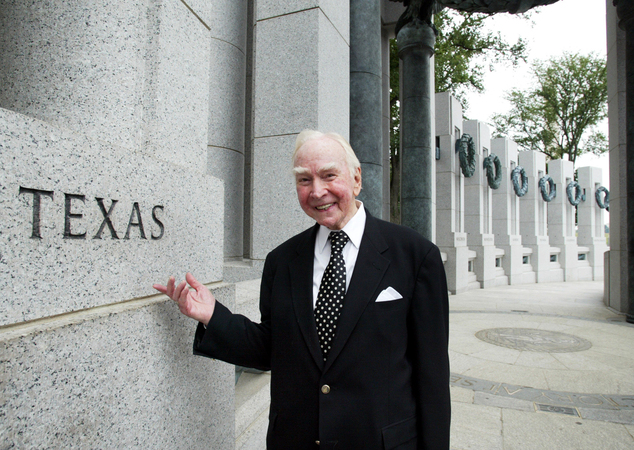 FILE - In this July 29, 2005, file photo, former House Speaker Jim Wright of Texas stands next to the Texas pillar while touring the World War II Memorial in...