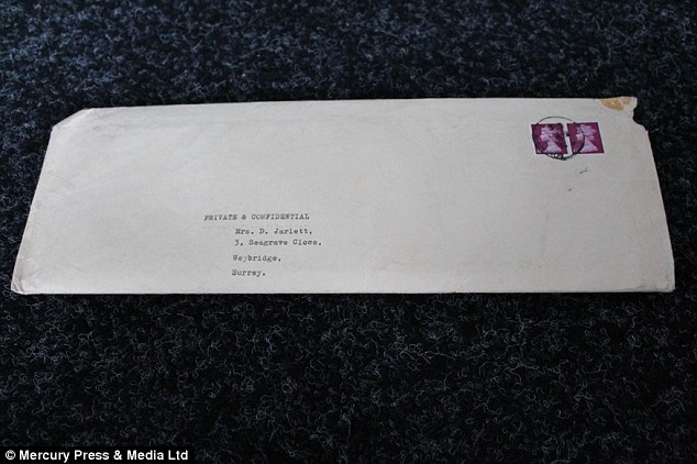 The envelope, in which the housekeeper's statement was returned to her, is also up for auction