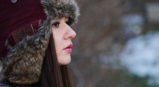 Do it anywhere this winter with SnoodyDo trapper hat