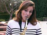 Jennifer Garner Show Off Her Saxophone Skills