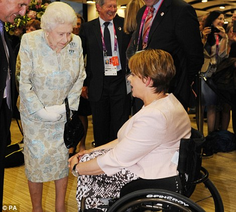 Queen Elizabeth meets Grey-Thompson