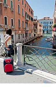 Venice won't ban wheelie suitcases-- yet