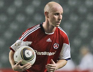Former Manchester United and Newcastle midfielder Nicky Butt playing for South China